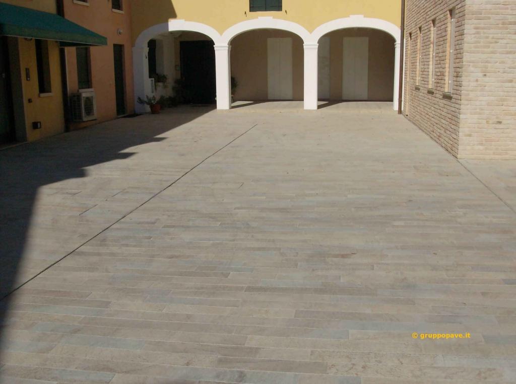 Trachite pave pavimentazioni for Pavimenti esterni economici