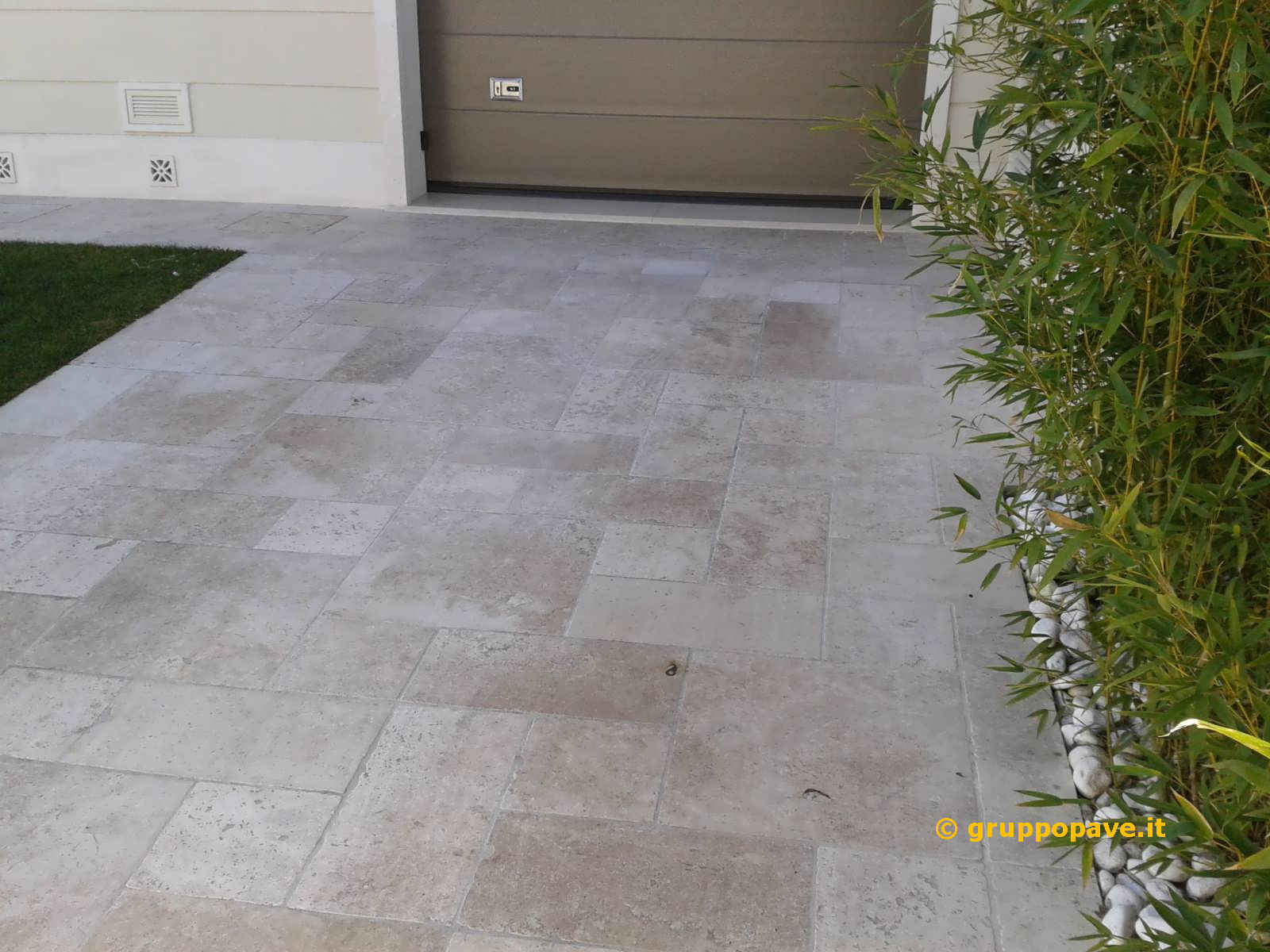 Travertino pave pavimentazioni for Portico anteriore in pietra calcarea