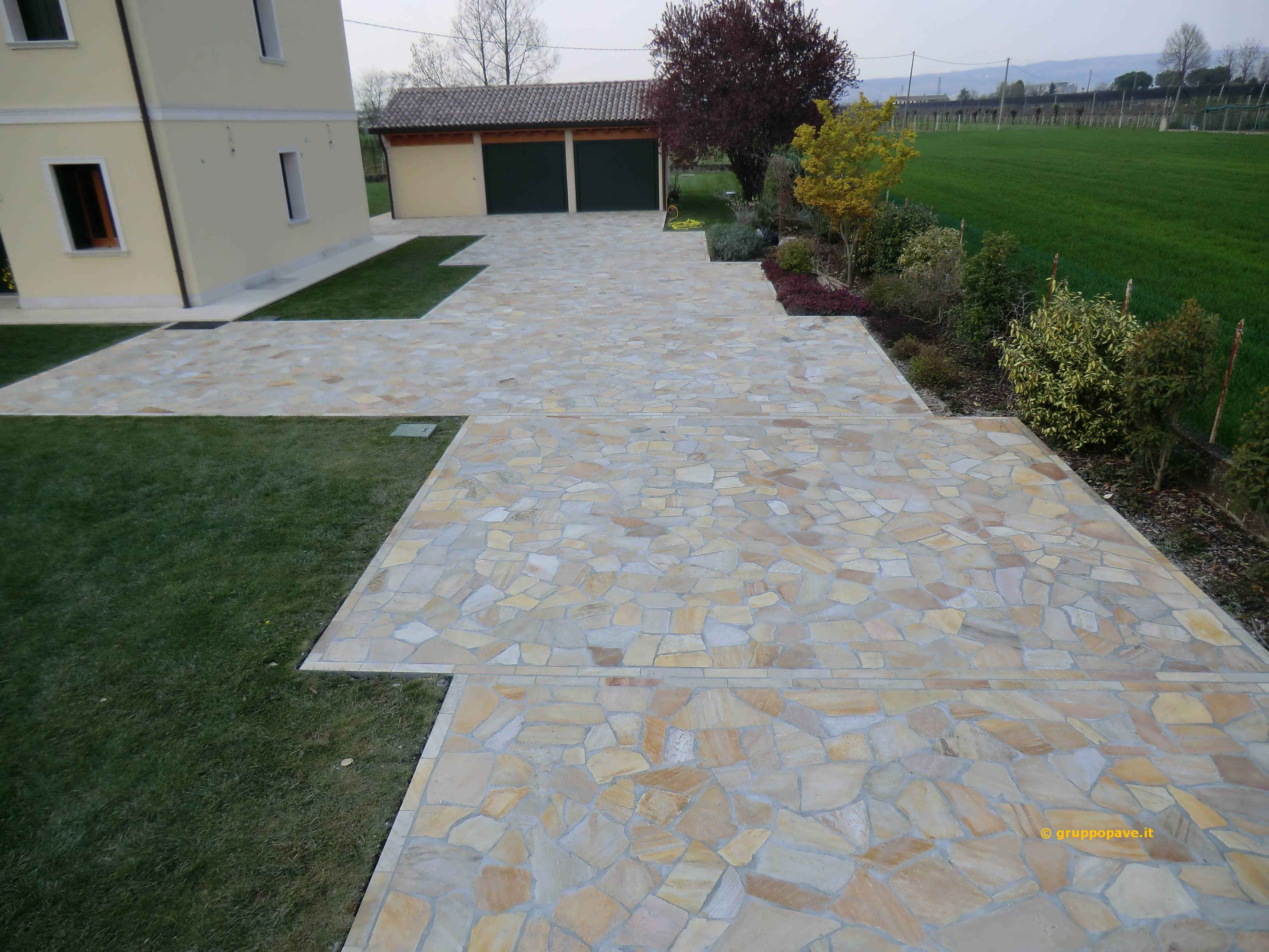 Fornitura e posa pave pavimentazioni - Pavimento per giardino ...