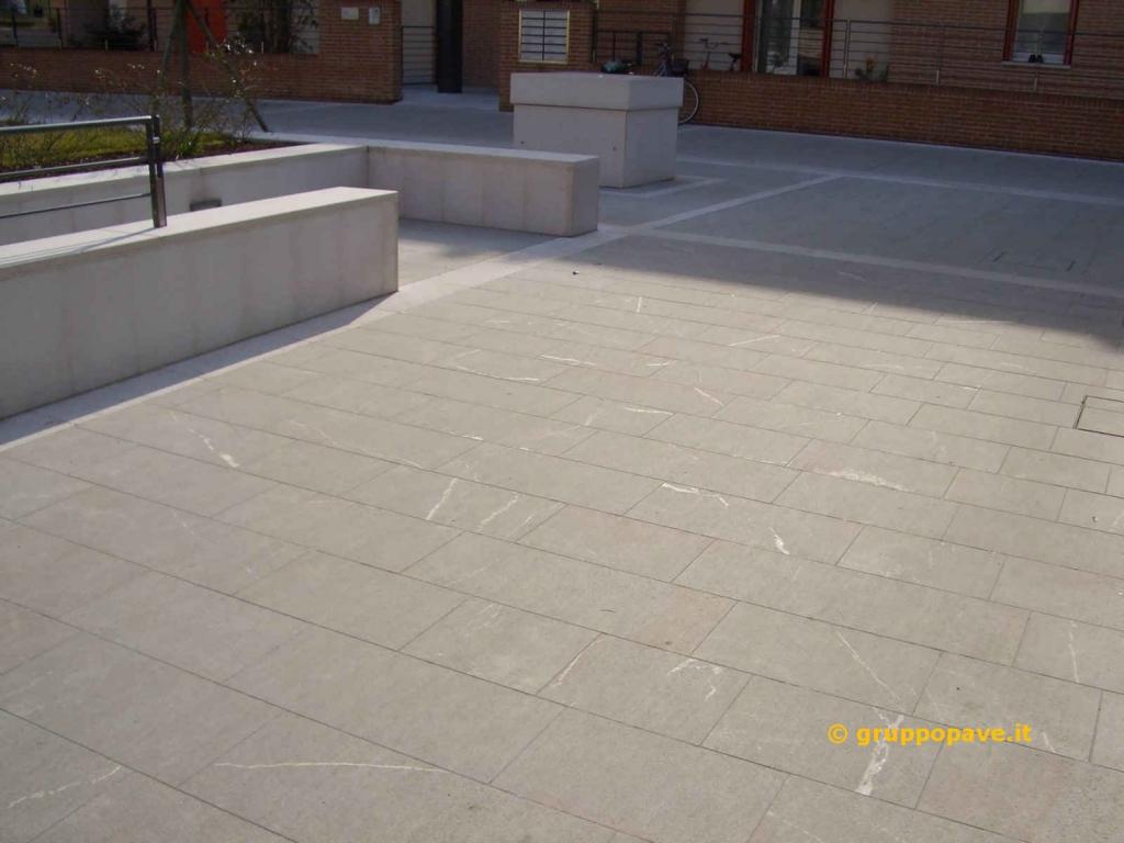 Pietra piasentina pave pavimentazioni for Idee per pavimenti esterni economici