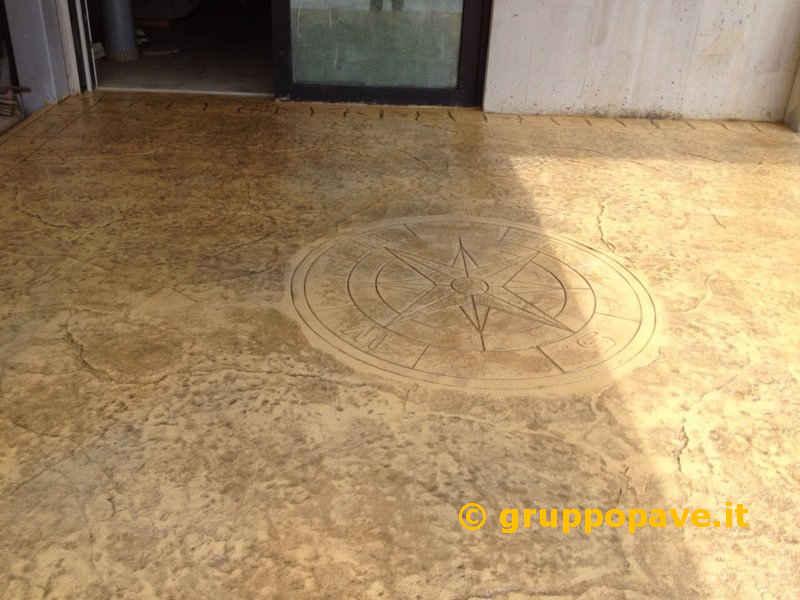Calcestruzzo Stampato Per Esterni : Pavimento in cemento stampato pave pavimentazioni